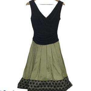S.L.Fashions Black&Chartreuse Daisy Lace Dress Sz8
